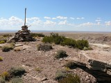 The cairn and its surroundings on top of the mesa.